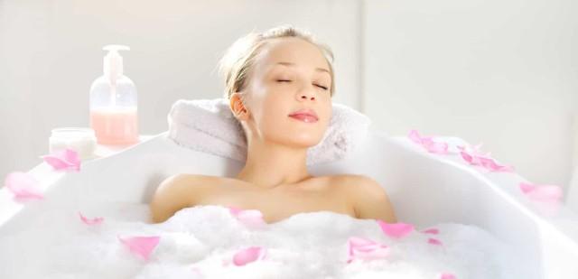 richtig entspannen wellness in der badewanne hilfe im netz. Black Bedroom Furniture Sets. Home Design Ideas