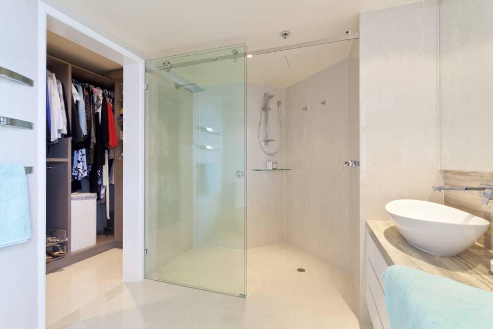 tipps f r den einbau einer bodenebenen dusche hilfe im netz. Black Bedroom Furniture Sets. Home Design Ideas