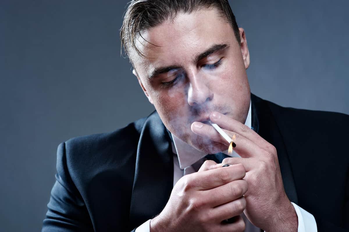 Wie zünde ich eine Zigarre richtig an?