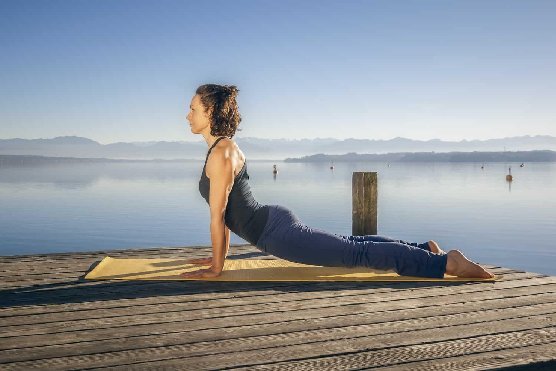 Innere Zufriedenheit mit Yogareisen