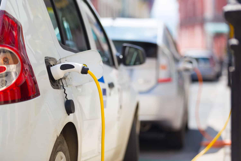 Deutschlands ehrgeiziges Ziel: 1 Million E-Autos bis 2020
